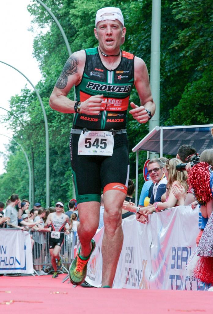 Originalbild unter: http://sportfoto-berlin.fotograf.de/photo/57575f22-e3c0-4200-9827-7f2b0a550e2d